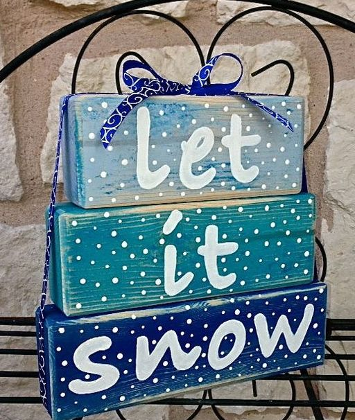 08-Let-It-Snow-Christmas-blue-stacked-block-sign