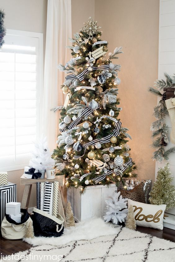08-chic-black-and-white-Christmas-tree-decor-with-silver-touches-for-a-sparkle
