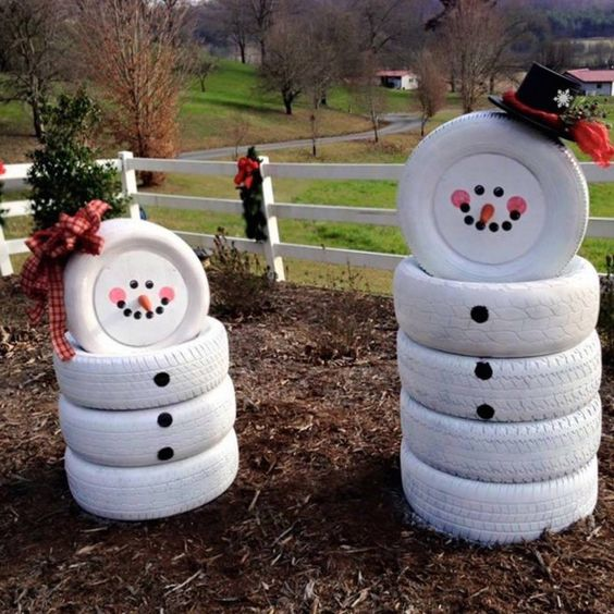 08-old-tires-can-be-turned-into-fun-and-easy-snowmen-in-those-regions-where-theres-no-real-snow