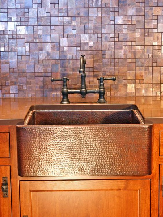 09-metallic-mosaic-tiles-in-copper-and-a-metal-copper-sink