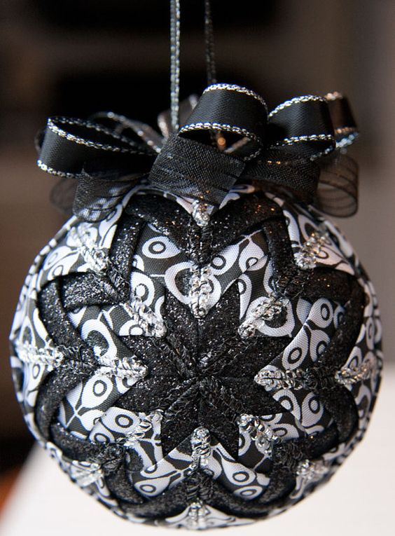 11-a-quilted-black-and-white-bauble