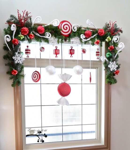 13-whimsy-evergreen-garland-with-ornaments-and-swirls