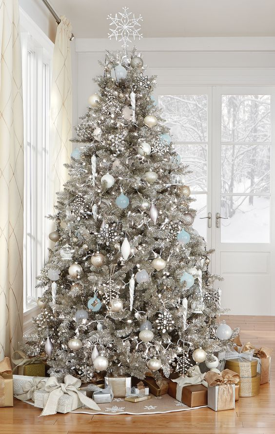 15-stunning-silver-tree-with-white-silver-and-light-blue-ornaments-that-reminds-of-Christmas-wonderland