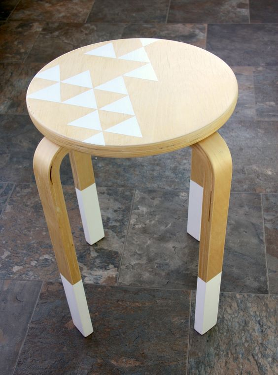 16-highlight-your-stool-with-white-paint