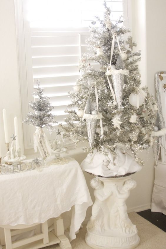 18-unique-silver-and-white-clay-ornaments-for-decorating-a-silver-tree
