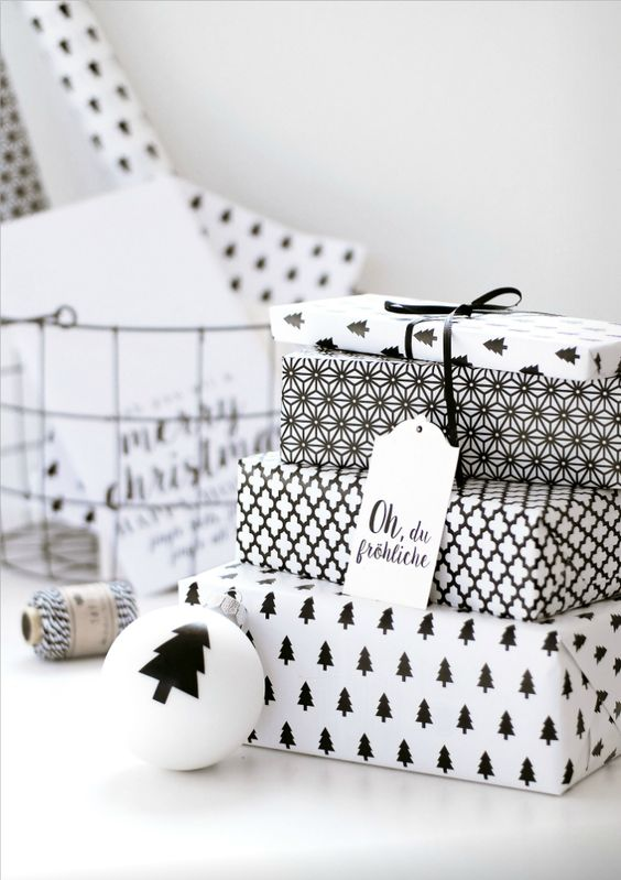 19-creative-printed-monochrome-gift-wrapping-paper