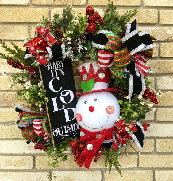 19-whimsy-and-bold-snowman-wreath-with-a-chalkboard-sign