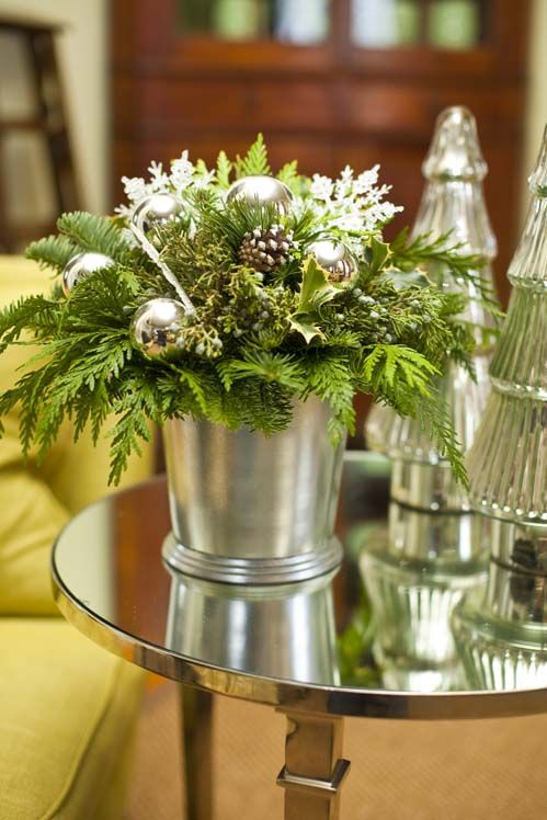 22-a-bucket-with-evergreens-ornaments-and-pinecones