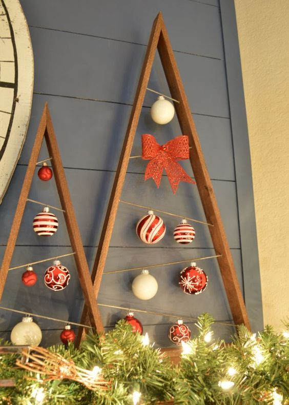 22-reclaimed-wood-plank-christmas-trees-with-ornaments-hanging-inside