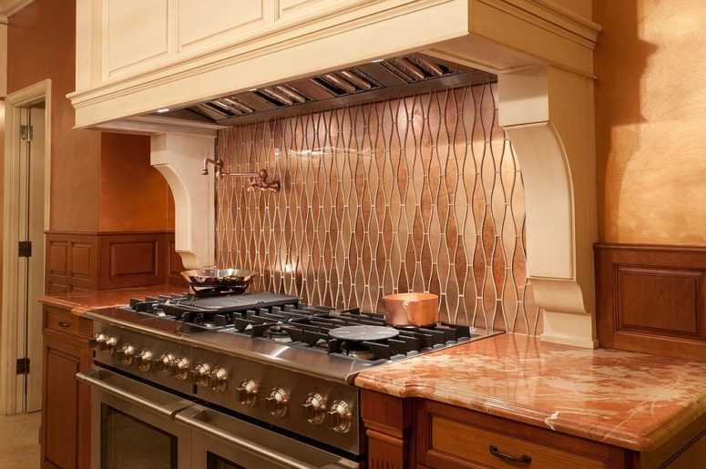23-small-modern-kitchen-with-custom-copper-backsplash-that-also-adds-pattern-775x515