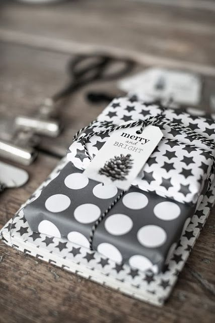 24-polka-dot-and-star-wrapping-paper-for-gifts