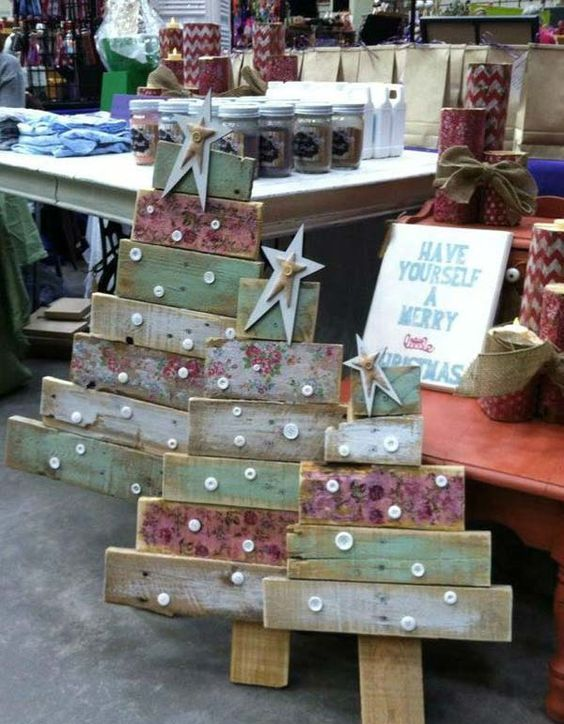 24-shabby-reclaimed-wood-Christmas-trees-with-buttons-and-stars