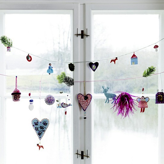 26-let-your-kids-make-garlands-with-various-stuffed-animals-and-ornaments