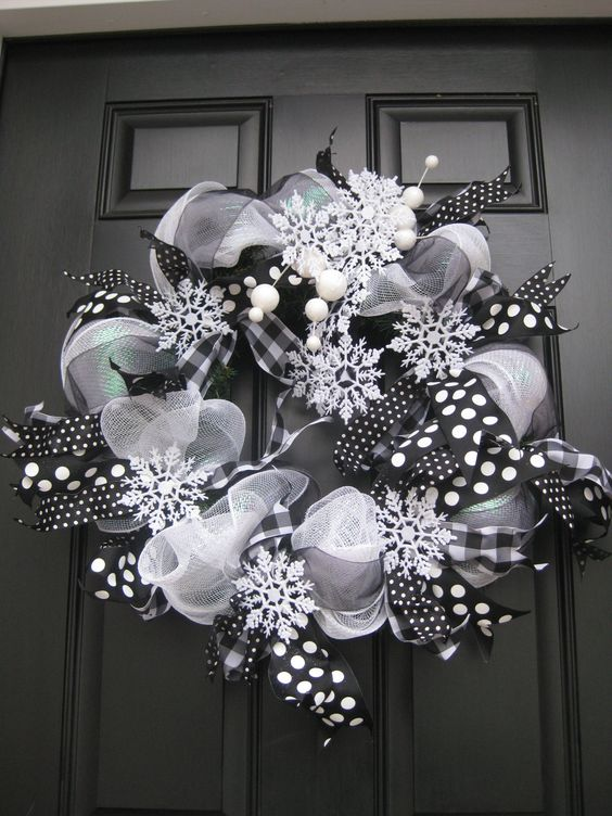 27-a-black-and-white-deco-mesh-wreath-with-snowflakes