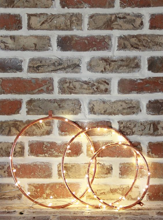 27-copper-wreaths-with-lights-for-industrial-decor