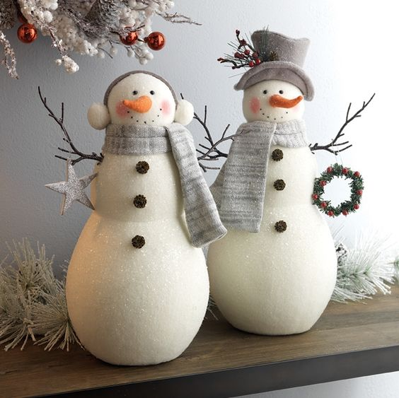 27-cutest-snowmen-decorations-can-be-displayed-on-your-mantel-or-shelf