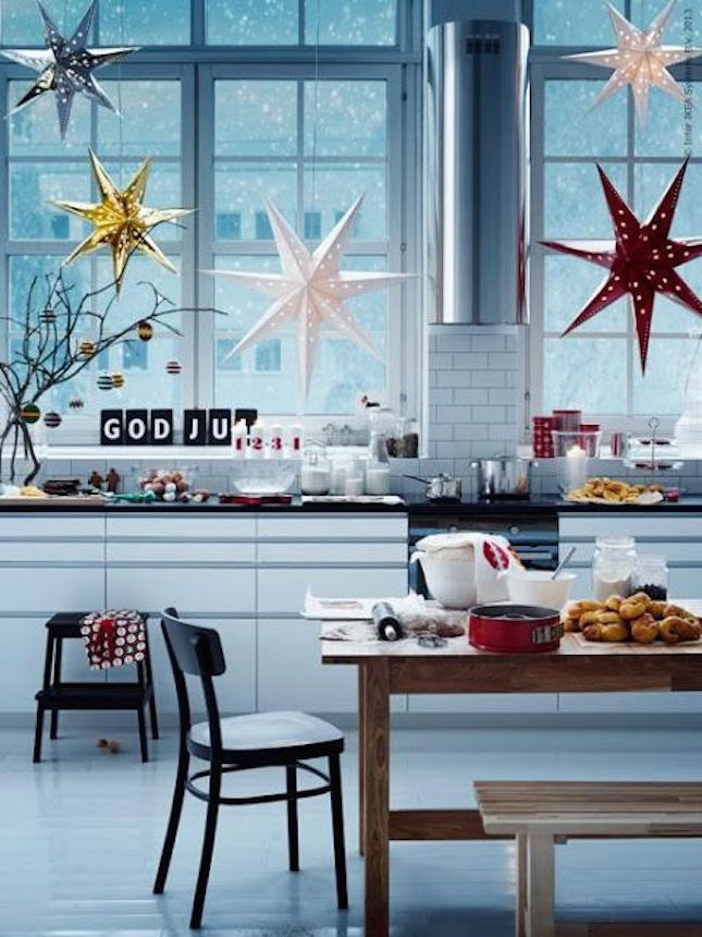 29-these-IKEA-star-pendants-create-a-stunning-silhouette-to-add-to-your-windows