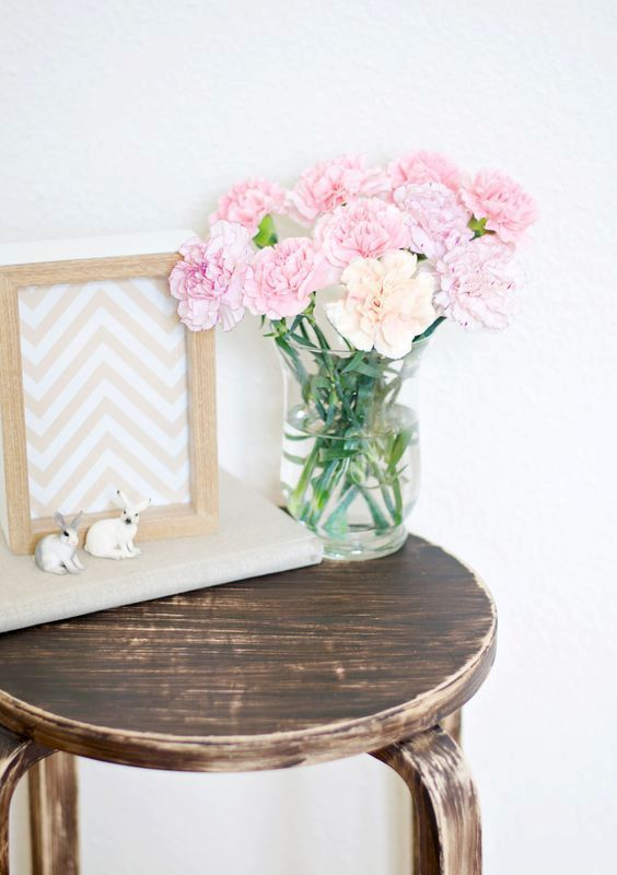 30-rustic-and-shabby-chic-Frosta-stool-makeover