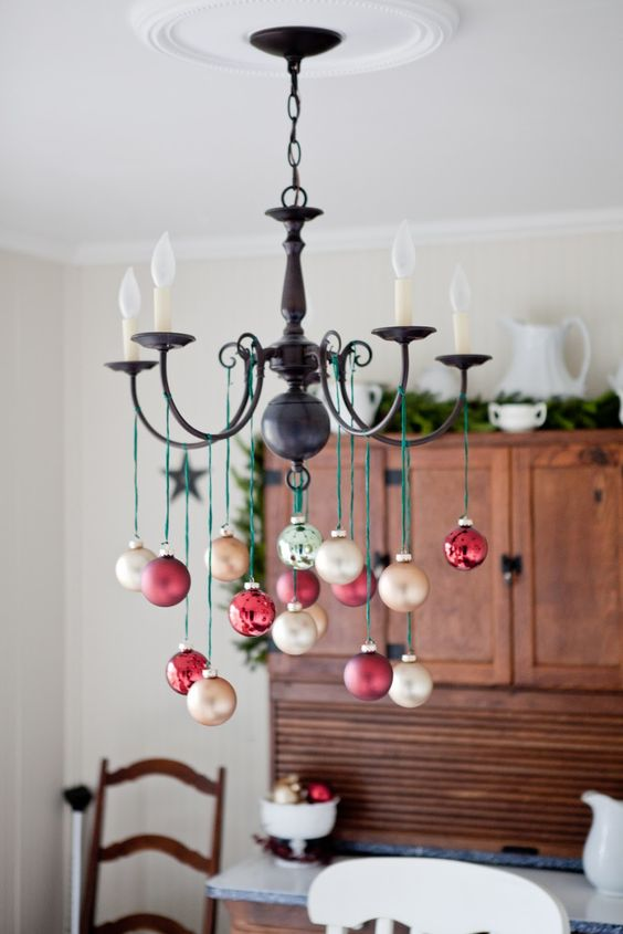 32-take-champagne-and-red-ornaments-and-hang-them-on-green-twine