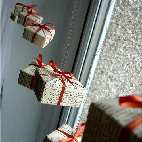 33-gift-boxes-hanging-by-the-window