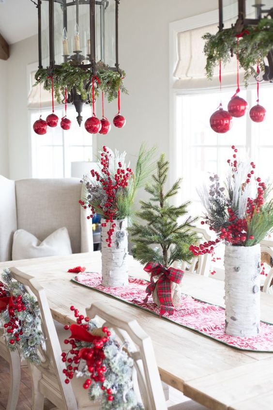 33-rock-red-ornaments-and-evergreen-branches