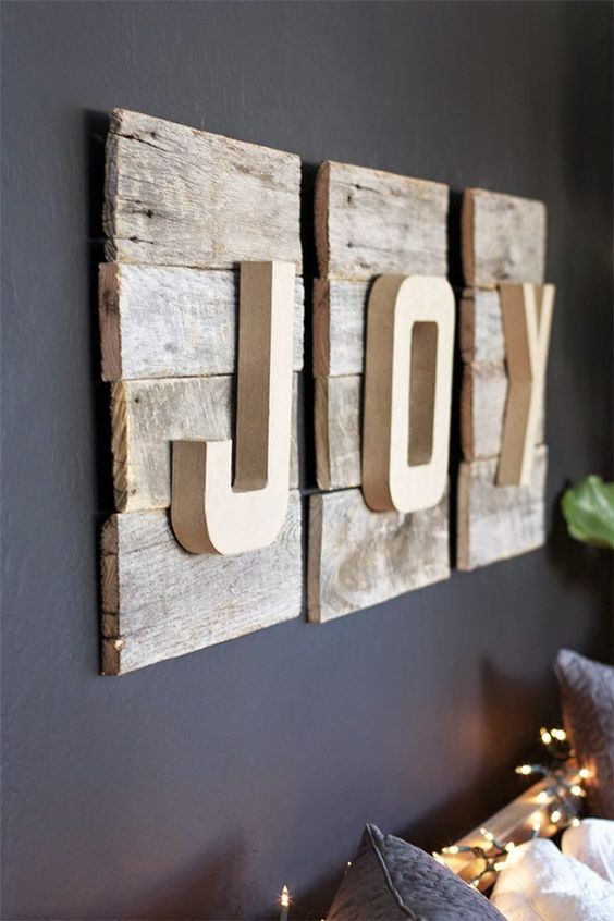 34-rustic-pallet-JOY-art-with-a-dimension