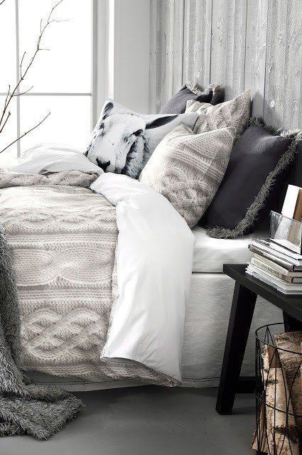 37-neutral-bedding-is-ideal-for-winter-it-makes-you-feel-cozy
