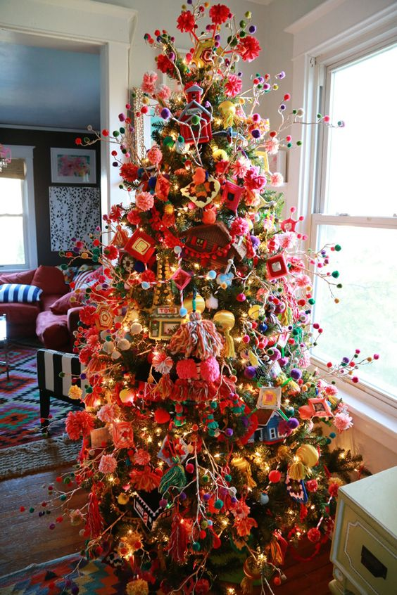 02-colorful-boho-chic-Granny-styled-tree-wiht-pompoms
