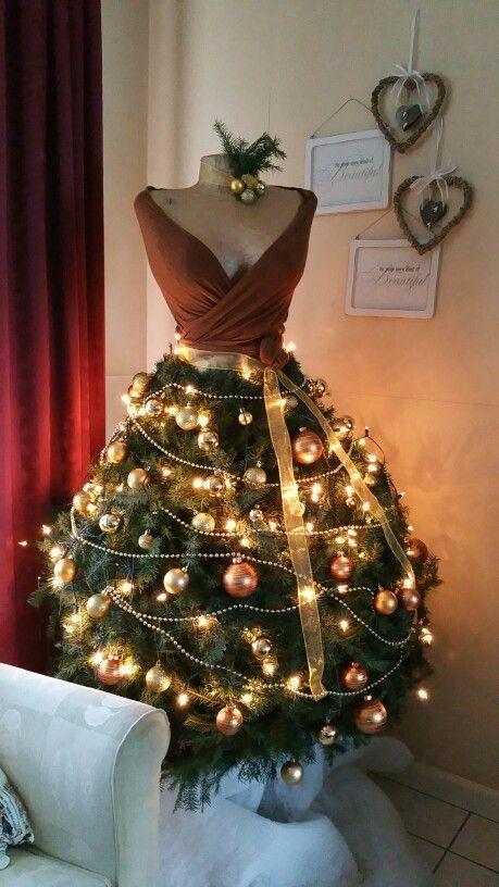 04-Christmas-tree-dress-is-a-unique-idea-that-is-getting-popularity