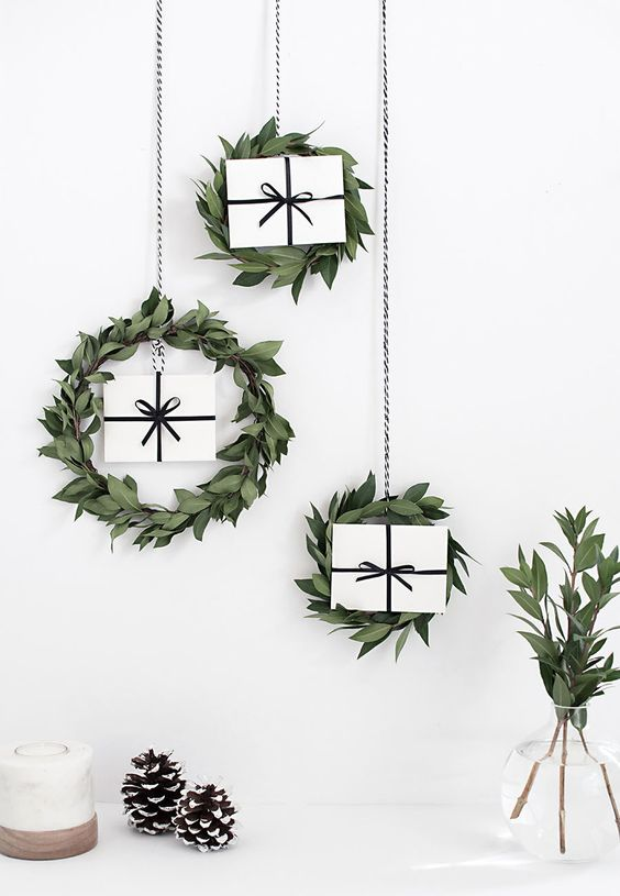 04-leafy-wreaths-with-gift-boxes-inside-for-a-modern-look