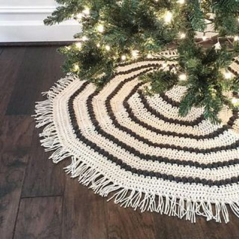 04-this-crocheted-tree-skirt-will-add-warmth-and-tons-of-handmade-charm-to-your-holiday-decor