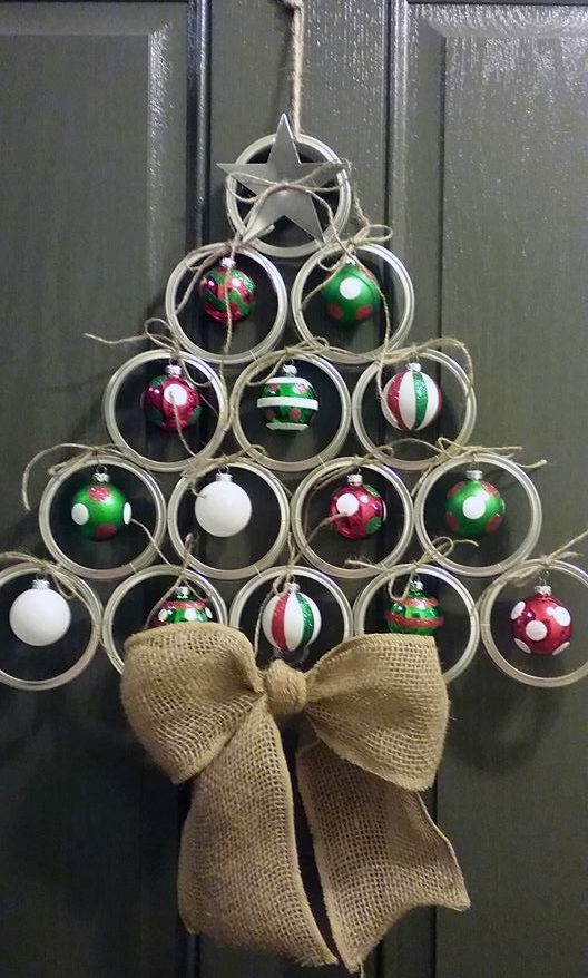 05-mason-jar-lid-door-hanger-with-ornaments-and-a-burlap-bow