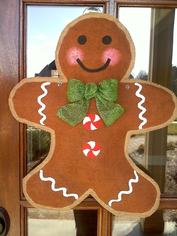06-burlap-gingerbread-hanger-with-a-glitter-bow-screams-Christmas