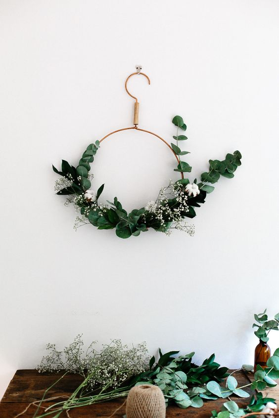 09-modern-copper-wreath-with-eucalyptus-and-cotton