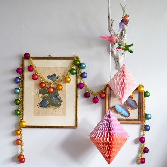 10-colorful-Christmas-ornament-garland-and-paper-decorations