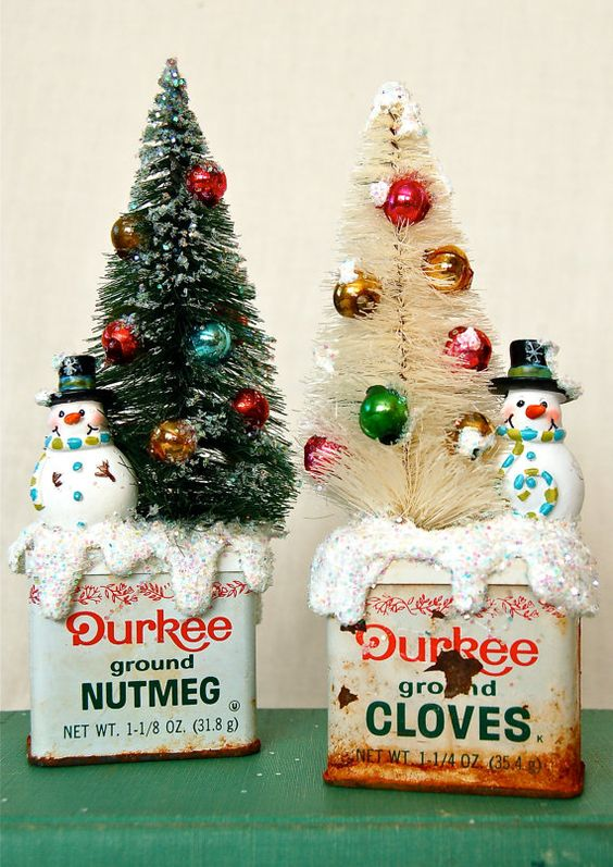 12-tins-with-bottle-brush-with-ornaments