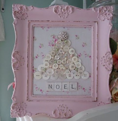 13-button-Christmas-tree-in-a-pink-shabby-chic-frame