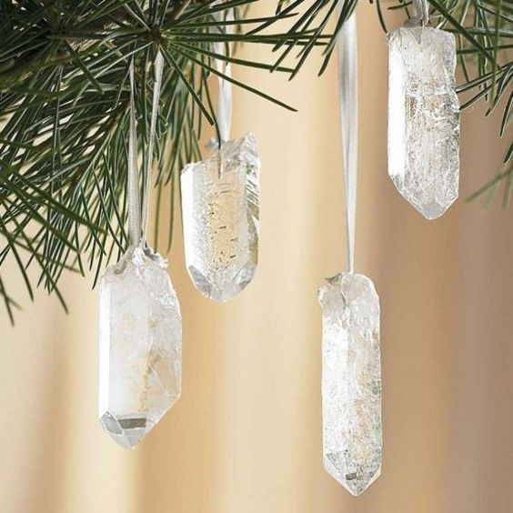 13-crystal-ornaments-will-catch-an-eye-with-a-bling