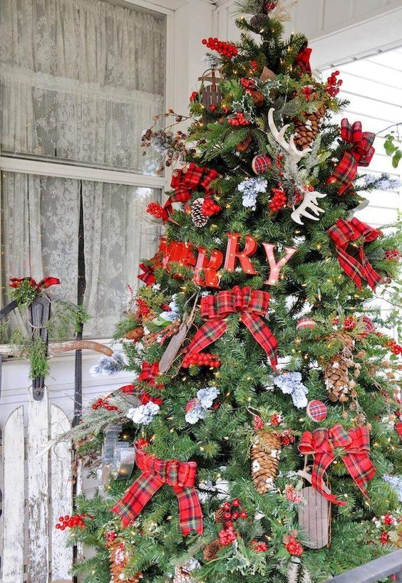 19-large-rustic-tree-with-plaid-bows-letters-pinecones-and-antlers