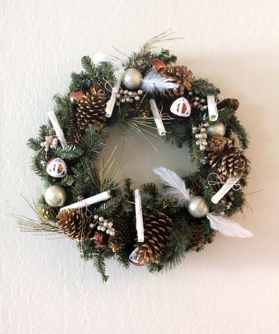 20-Harry-Potter-wreath-with-snitches-and-pinecones