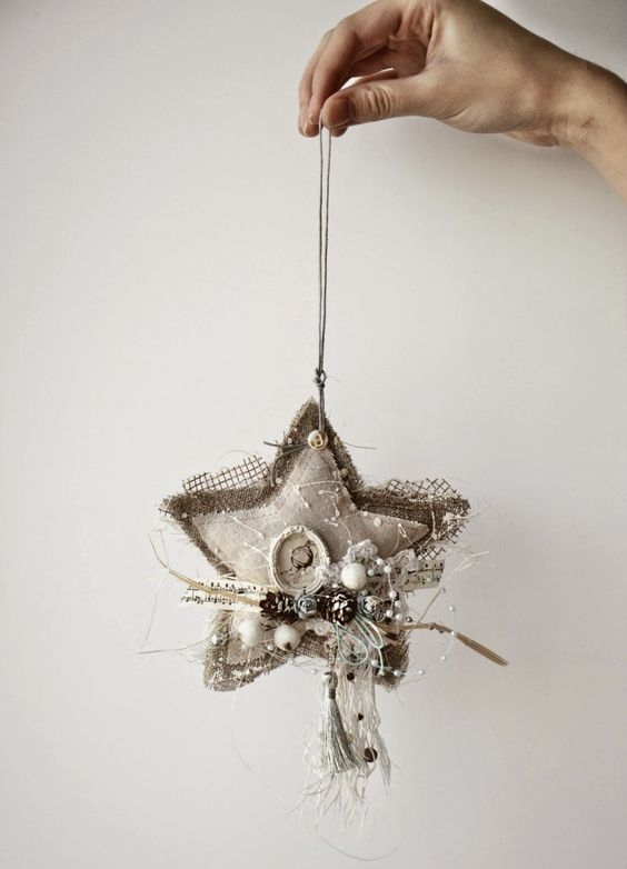 21-shabby-chic-star-shaped-ornament-with-pinecones-and-beads