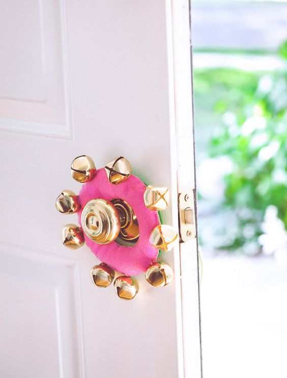 24-pink-door-knob-hanger-with-gold-jingle-bells-for-a-glam-feel