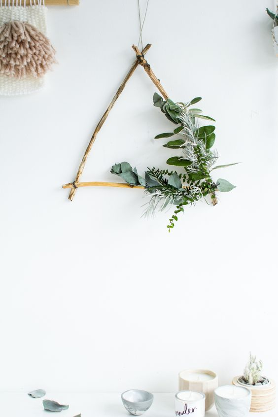 27-foraged-triangle-Christmas-wreath-with-greenery