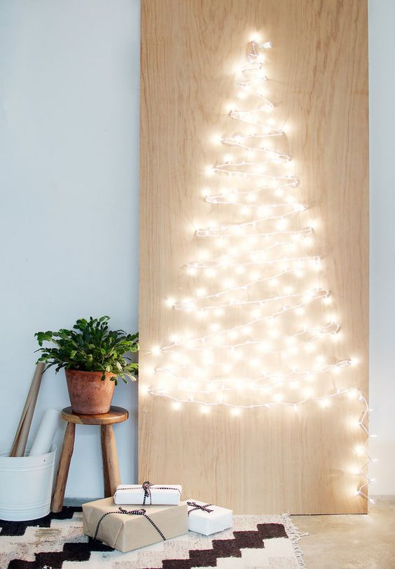 27-string-light-Christmas-tree-artwork-is-such-a-cool-and-easy-idea