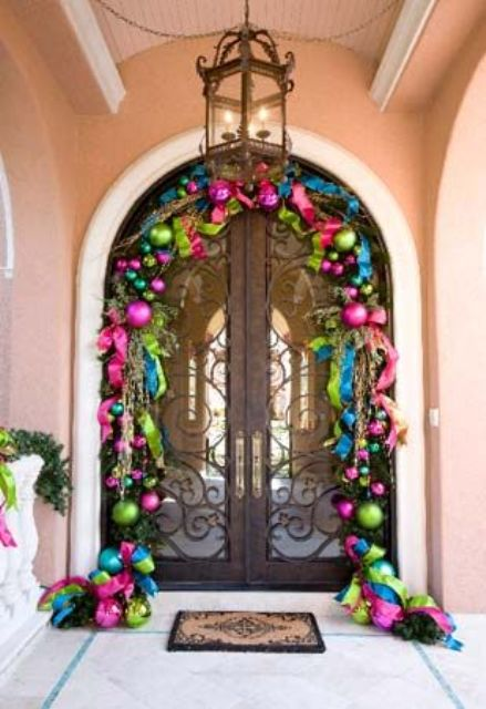 28-super-bold-Christmas-ornament-garland-over-the-door