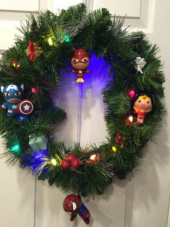 29-Superhero-wreath-with-target-ornaments
