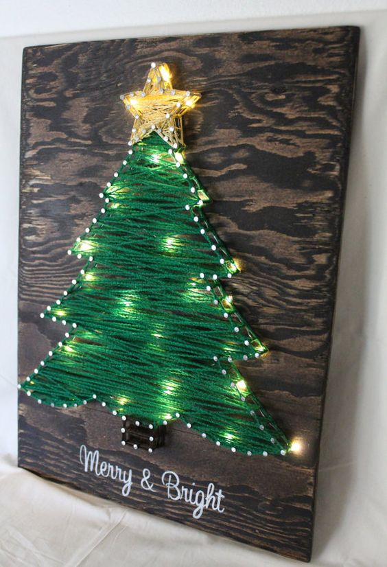 29-yarn-Christmas-tree-artwork-with-string-light-incorporated