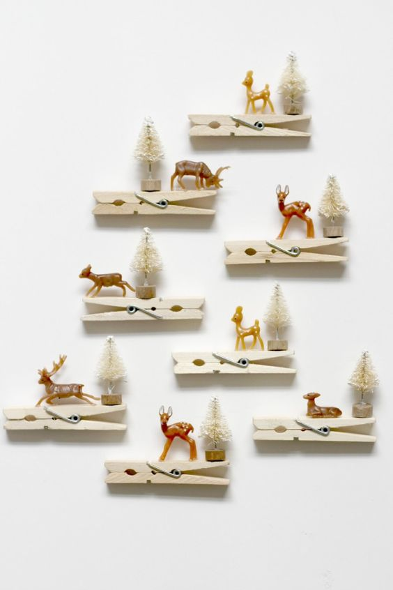 30-reindeer-clothespins-ornaments