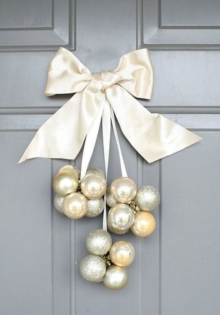 31-silver-pearl-and-gold-ornaments-and-a-large-ribbon-bow