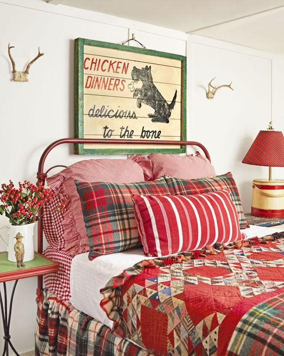 33-vintage-Christmas-bedroom-decor-with-red-bedding-berries-and-a-pallet-sign